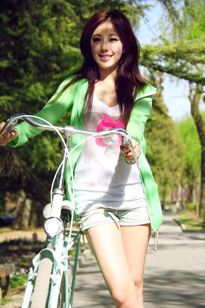bicycle lady 0010